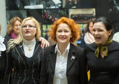 Rūta Tumulienė (viduryje)