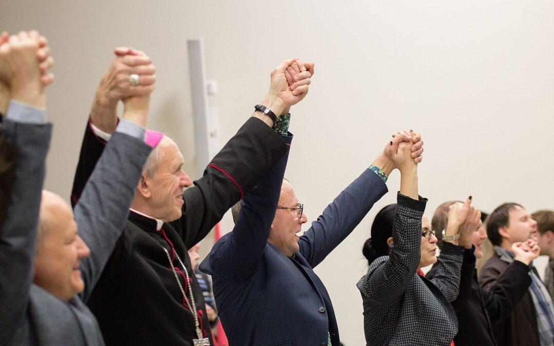 Krikščionių vienybės savaitgalis Šiauliuose, arba šlovinimo tėkmėje (Video)