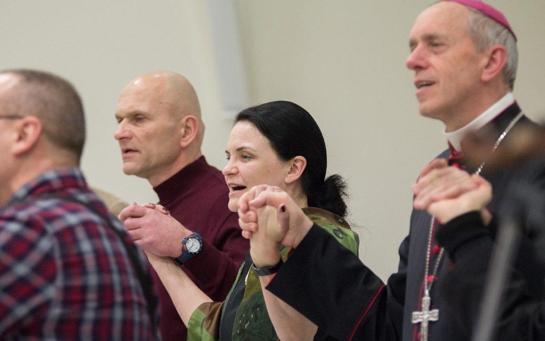 Įvyko daugiaspalvė krikščionių Vienybės šventė Šiauliuose