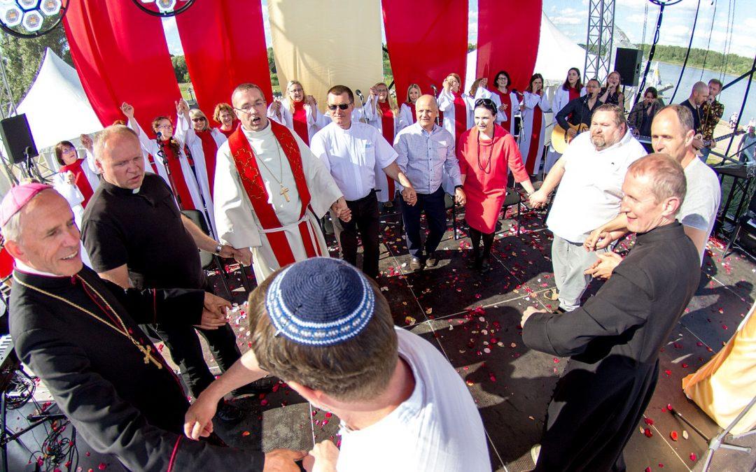 Kviečiame Šiauliuose švęsti Ekumenines SEKMINES – PABUSK, KELKIS IR ATEIK…