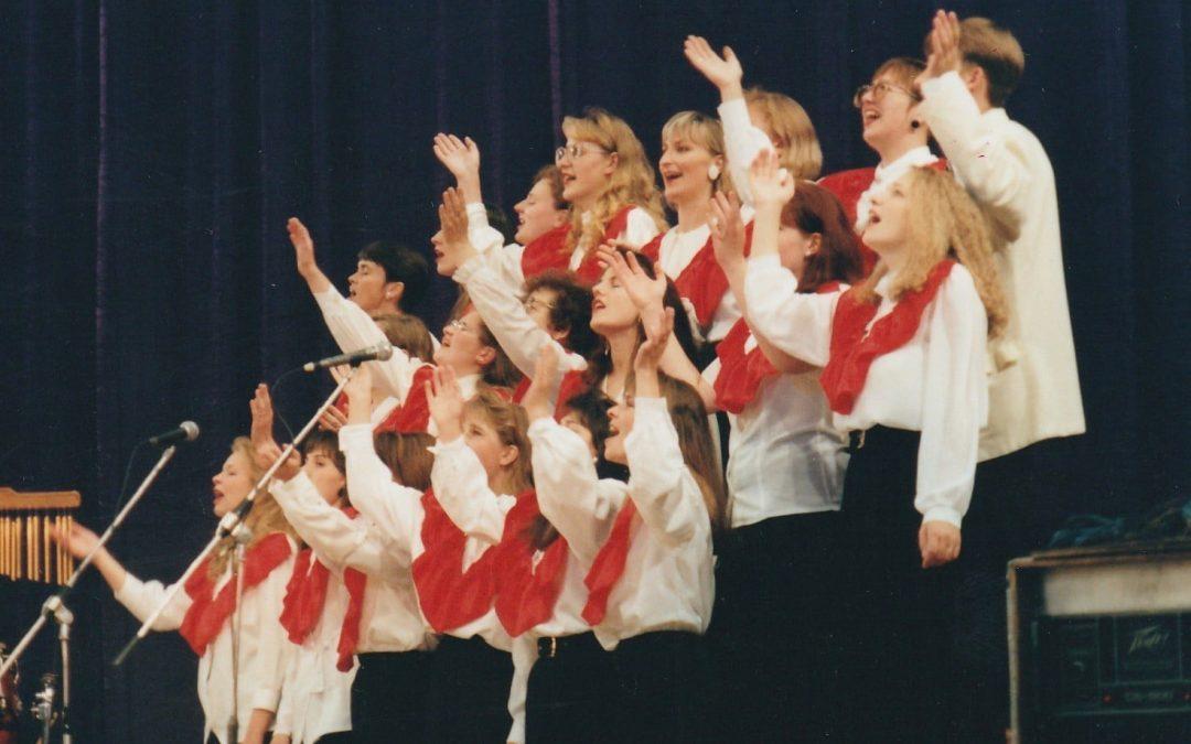 Bažnyčios šlovinimo tarnystė, 1994-1997 metais