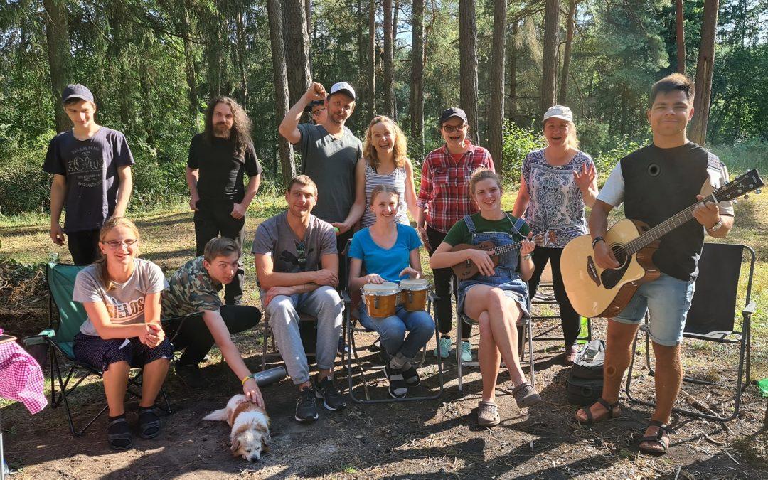 """Akimirkos iš jaunimo turistinės stovyklos """"Lūkesčiai"""" (Video pamokslas)"""